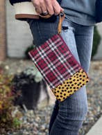 Cheetah and plaid wristlet from Panache Accessories.   Panache Accessories is a woman owned business based in the suburbs of Minneapolis, Minnesota that began in 2012.