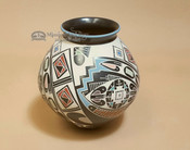 Authentic Mata Ortiz Pottery Vase - Oscar Quezada