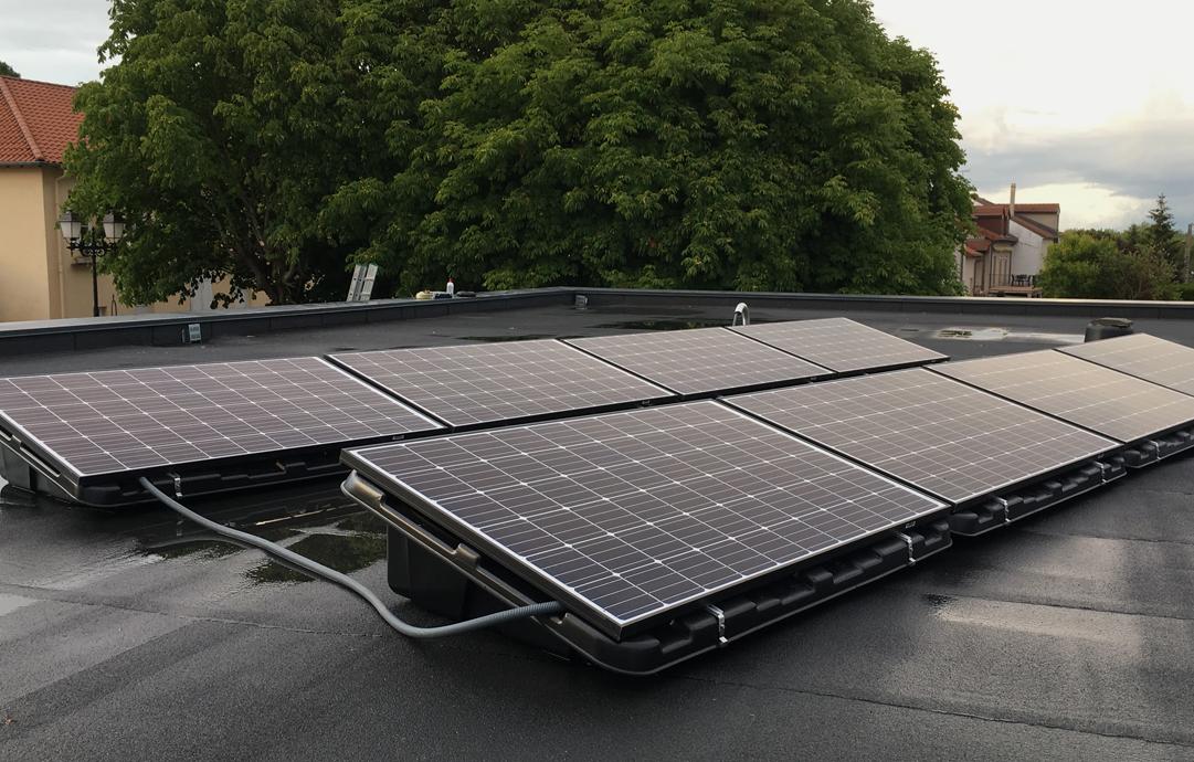 Canadian Solar vs Hanwha Q Cells: Most Value? - Solaris