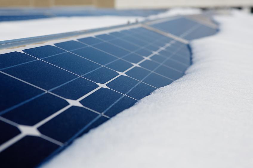 Do solar panels work in snowy days?