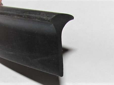 Head is 16mm wide. Top of head to base of tail  38mm Made from quality Aussie rubber.