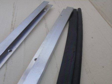 This strip also holds the lower door P seal.Part 226-0042