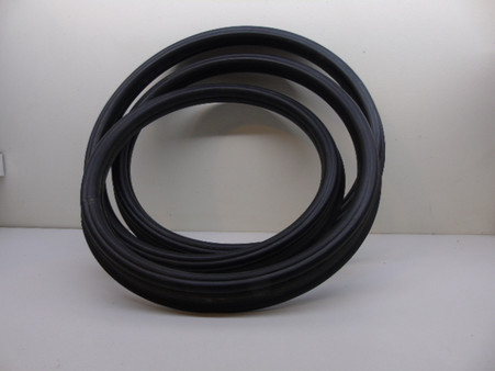 Glass must be 100% clean before fitting the rubber. Tension rubber as you go around each corner.