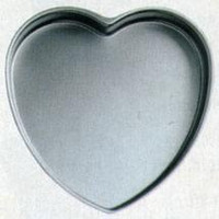 "Heart-Shaped Light Aluminum Pan - 6"" X 2"" Deep"