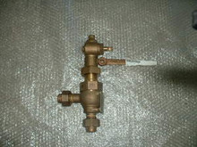"""LESLIE Safety Relief Valve  P/N 1384 1/2IN 20T35PSI Size: 1/2"""""""