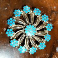 ZUNI TURQUOISE INLAY PIN/PENDANT VM DISHTA