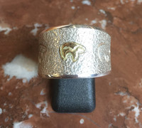 RINGS NAVAJO SILVER & GOLD BEAR DESIGN SOLD