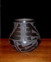 Pottery San Ildefonso Cynthia Starflower PSI187