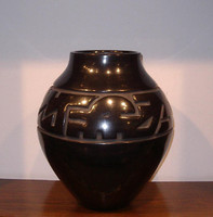 Pottery Santa Clara Margaret Tafoya Large Black Pot Avanyu