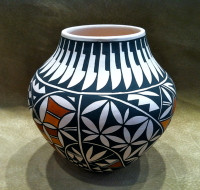 Pottery Acoma Theresa Salvador SOLD