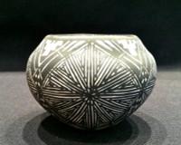 Pottery Acoma Fine Line SV SOLD