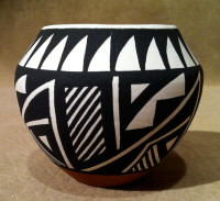 Pottery Acoma Debbie Brown PADB3 SOLD