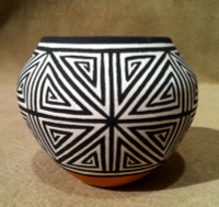 Pottery Acoma Debbie Brown SOLD