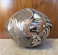 Pottery Hopi Sylvia Naha AKA Featherwoman H40