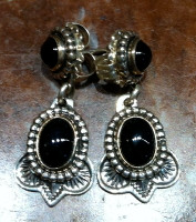 EARRINGS NAVAJO STERLING SILVER CABOCHON DANGLE ONYX
