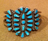 BRACELETS ZUNI SILVER PAWN TURQUOISE CLUSTER BZSPTC45 SOLD