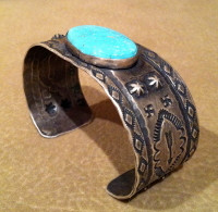 BRACELETS NAVAJO OVAL TURQUOISE 1930'S PAWN WHIRLING LOG ARROW STAMPED SILVER SOLD