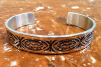 BRACELET NAVAJO SILVER STAMPED LARGE Orville White