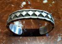 BRACELETS NAVAJO SILVER DIAMOND SHAPED Elvira Bill SOLD