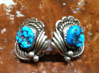 EARRINGS NAVAJO TURQUOISE NUGGET LEAF PATTERN SCALLOPED EDGE DESIGN PAWN SIGNED