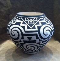 Pottery Acoma Black White Geometric Pattern Design Kathy Victorino_2 SOLD