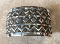 BRACELETS NAVAJO SILVER BOLD STAMPED DIAMOND SHAPED CENTER SMALL HEAVY CUFF ELVIRA BILL_2
