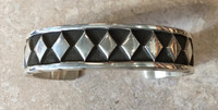 BRACELET NAVAJO HEAVY GAUGE SILVER LARGE SIZE CUFF DIAMOND CENTER ELVIRA BILL