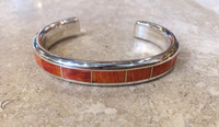 BRACELET ZUNI ORANGE SPINY OYSTER SHELL CHANNEL INLAY SILVER WIRE VERTICAL INSERTS LARRY LORETTO