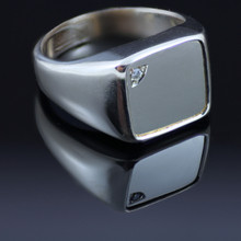 Gents silver ring with silver top and cubic zirconia