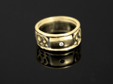 9ct Gold Female Gender Commitment & Friendship Ring with 1 Diamond