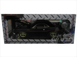 "1970 Dodge Challenger R/T Black ""Chase Car"" with Gold Trim 1/18 Diecast Model Car M2 Machines 91165S01BK"