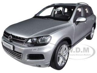 2010 Volkswagen Touareg V6 FSI Cool Silver Metallic 1/18 Diecast Car Model Kyosho 08821