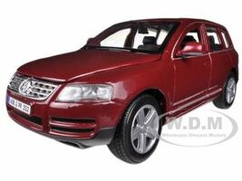 Volkswagen Touareg Burgundy 1/24 Diecast Model Car Bburago 22015