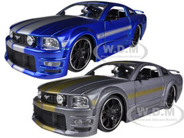 2006 Ford Mustang GT Grey & Blue 2 Cars Set 1/24 Diecast Model Cars Jada 90658