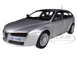 Alfa Romeo 159 SW Silver 1/24 Diecast Car Model Motormax 73372