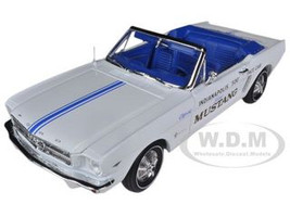 1964 1/2 Ford Mustang Convertible 289 V8 Indy 500 Pace Car Limited to 1500pc 1/18 Diecast Model Car Autoworld AW209