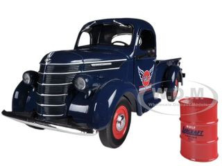 """1938 International D-2 Pickup """"GULF"""" Aviation Products Truck With Barrel 1/25 Diecast Model First Gear 49-0312"""
