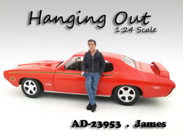Hanging Out James Figurine / Figure For 1:24 Scale Models American Diorama 23953