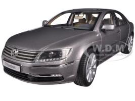 Volkswagen Phaeton Arabesque Silver 1/18 Diecast Model Car Kyosho 08831 AS