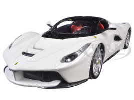 Ferrari Laferrari F70 White 1/24 Diecast Model Car Bburago 26001