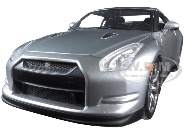 "Brian's Nissan GTR R35 Silver ""Fast & Furious"" Movie 1/24 Diecast Model Car Jada 97212"
