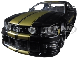 2006 Ford Mustang GT Black With Gold Stripes 1/24 Diecast Model Car Jada 90658 YV-bk