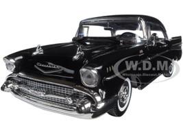 1957 Chevrolet Bel Air Black Timeless Classics 1/18 Diecast Model Car Motormax 73180