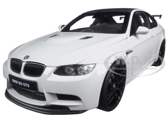 BMW M3 GTS Alpine White 1/18 Diecast Model Car Kyosho 08739