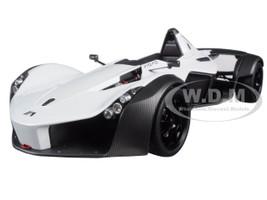 BAC Mono Metallic White 1/18 Model Car Autoart 18111
