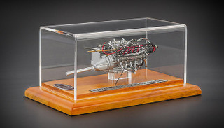 1960 Maserati Tipo 61 Birdcage Engine with Display Showcase 1/18 Diecast Model CMC 126