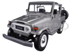 Toyota FJ40 FJ 40 Convertible Silver 1/24 Diecast Model Car Motormax 79330