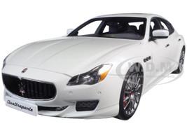 2015 Maserati Quattroporte GTS Alpi White 1/18 Diecast Model Car AutoArt 75808