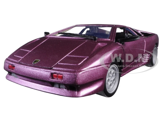 Lamborghini Diablo Purple 1/24 Diecast Model Car Motormax 73201