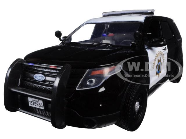 2015 Ford Interceptor Police Utility California Highway Patrol CHP Black White 1/24 Diecast Model Car Motormax 76955